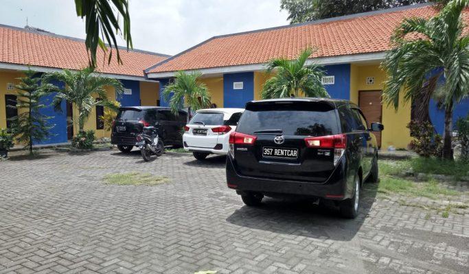 Rental mobil Toyota Innova di Surabaya